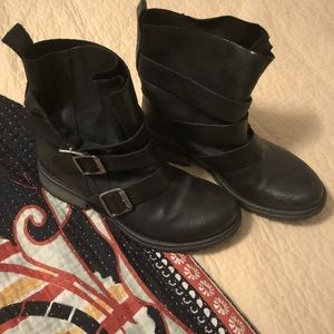 """Steve Madden """"Colony"""" boots"""